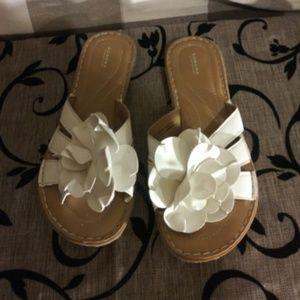 SONOMA Women's Sandals Flip Flops Dress Shoes EUC